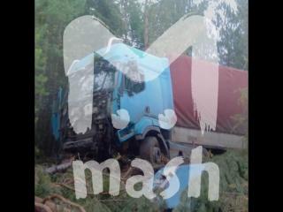 Под Красноярском дальнобойщику две недели пришлось жить в кабине грузовика