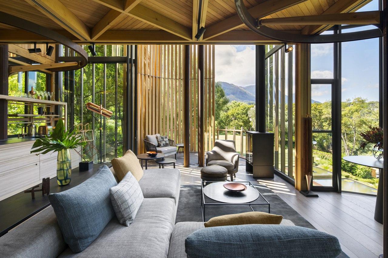 Tree House / Malan Vorster Architecture Interior Design