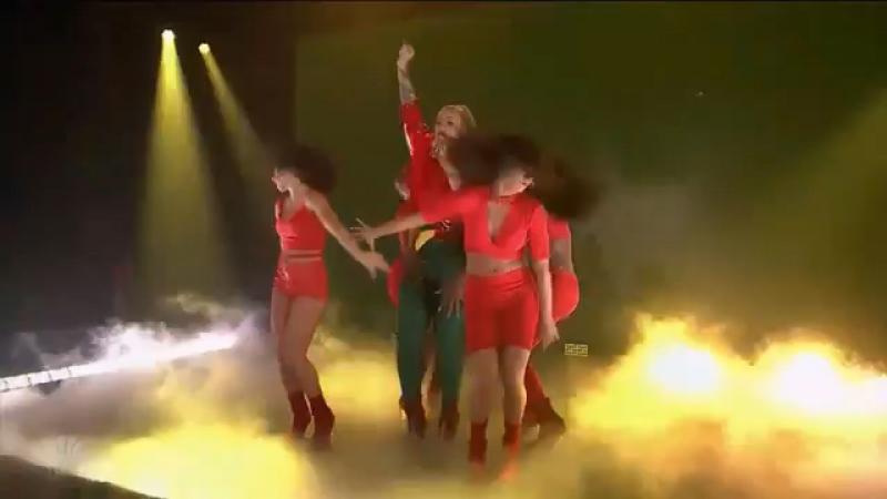 Iggy Azalea ft. Anitta - SWITCH - Jimmy Fallon 2017