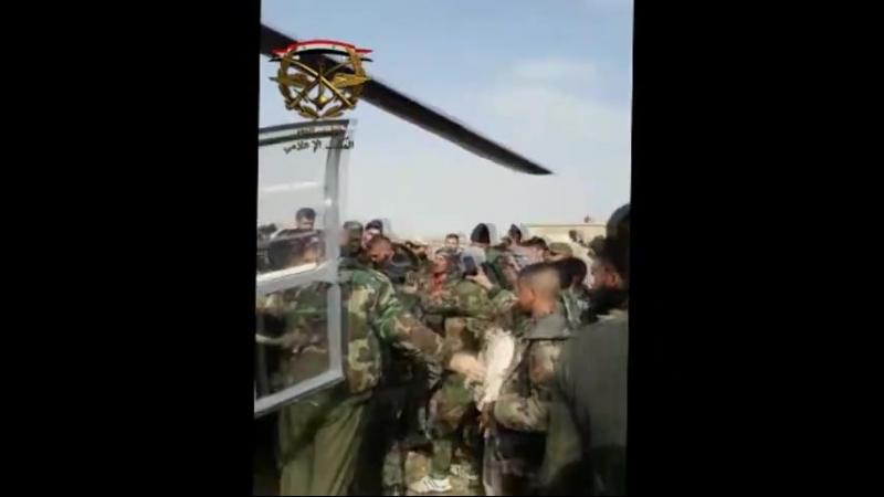 Бригадир Сухаил Аль-Хасан Аль Нимр среди товарищей по оружию Тигров Сирийской Арабской армии