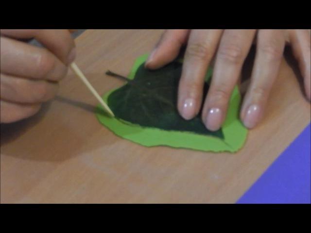 Еще один способ лепки листьев сирени и других из холодного фарфора