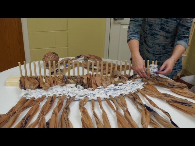Good Shepherd Church - How to peg loom with plastic bags