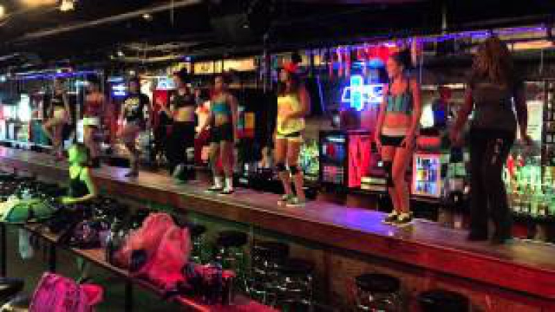 Coyote ugly in Nashville dance rehearsal