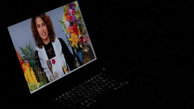 Видео обзор ноутбука Dell XPS 15 9560 отличное качество изображения да и сам красавец