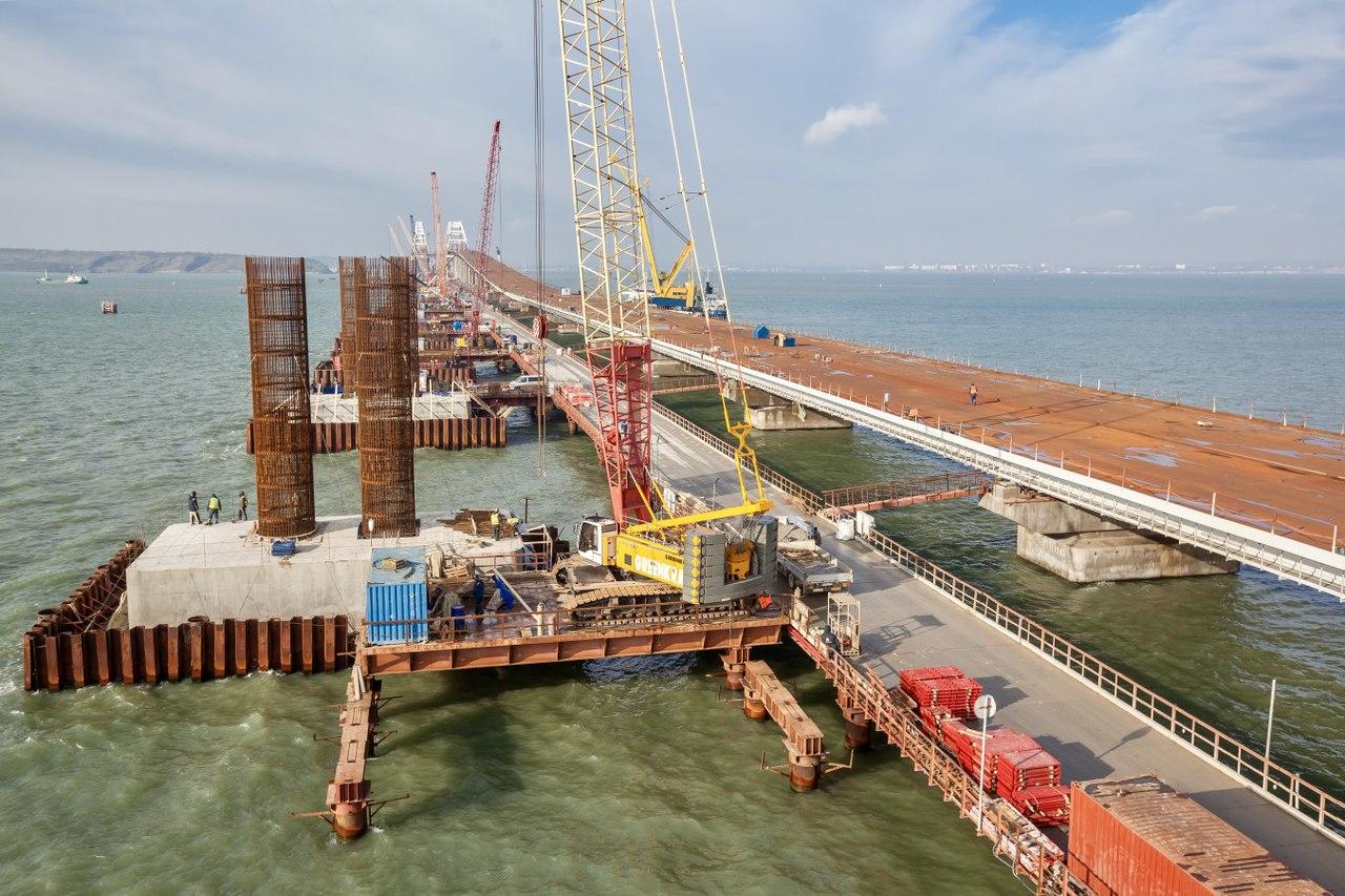 самого начала фото строящегося моста через керченский пролив выясним, когда можно