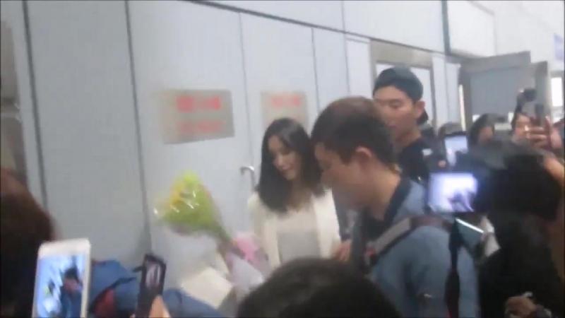180316 Hyomin Arrived to Hong Kong Airport