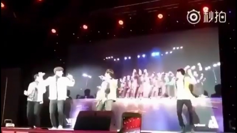 Танцуют~ Fanmeeting in Chengdu 170318