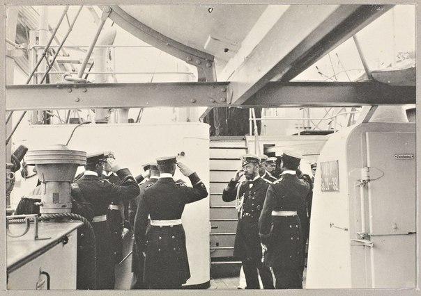 Николай II с братским визитом на крейсере