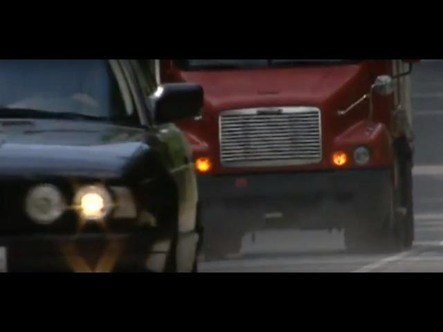 Большая прогулка (2005) - car chase scene 2Freightliner Century VS BMW 5 [E34]