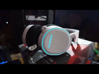 Unboxing Steelseries Arctis 5 With 7.1 DTS Headphone RGB White