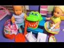 Катя и Макс. Киндер сюрпризы и Кроко дантист. Укол от плохих шуток. Про кукол.