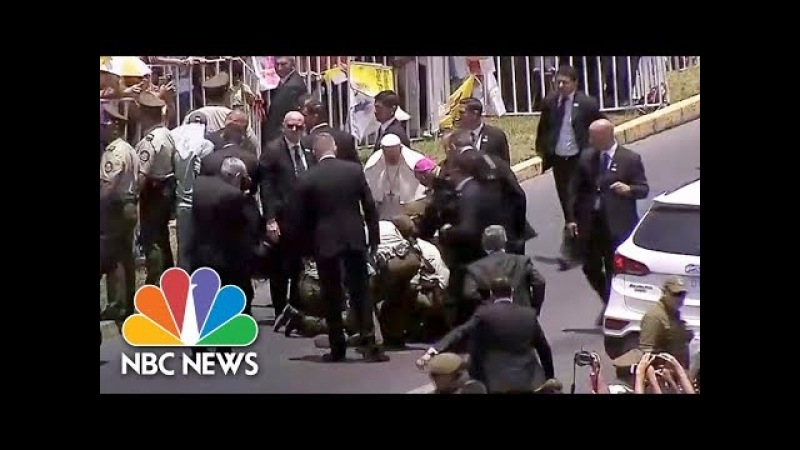 Pope Francis Stops Motorcade To Help Injured Police Officer NBC News
