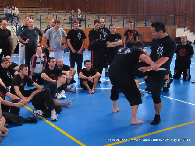 Silat Suffian Bela Diri - Lower Limb Destructions Kicking Defence