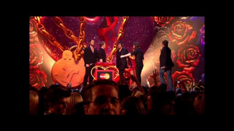 Take That win British Single presented by Alan Carr | BRIT Awards 2007