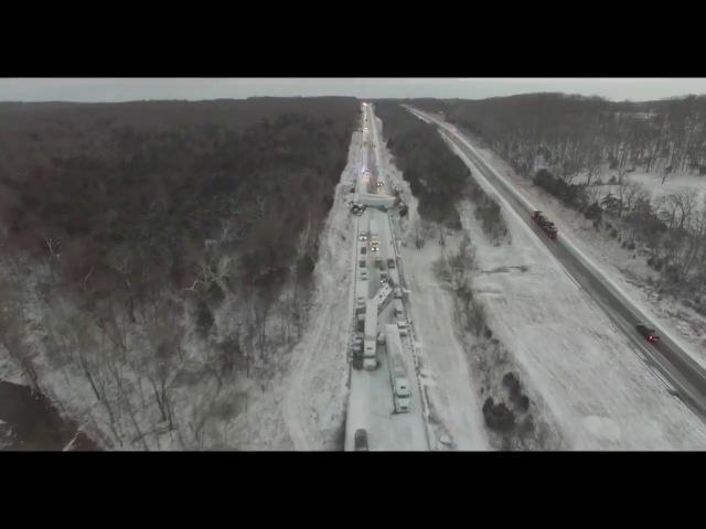 Авария на хайвее с дрона: 60 автомобилей