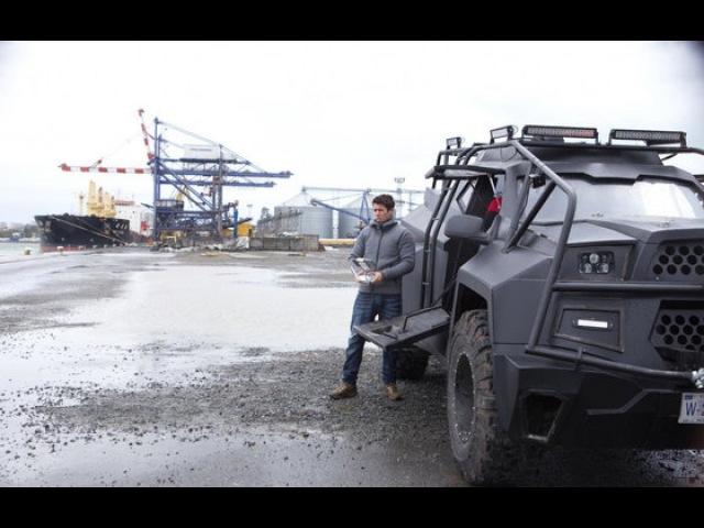 Видео к фильму «Ограбление в ураган» (2018): Трейлер (дублированный)