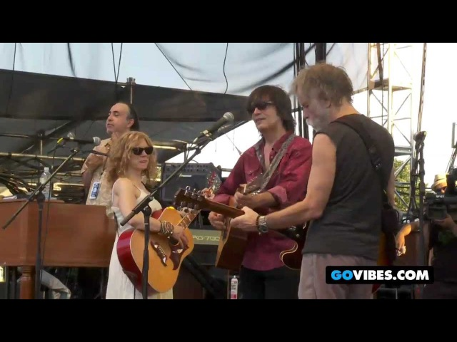 Levon Helm Band Performs Deep Elem Blues with Bob Weir at Gathering of the Vibes 2011