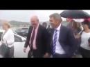 Министра Новой Зеландии ударили по лицу резиновым членом