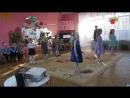 Танец для мамочек - исполняют девочки старшей группы Солнышко