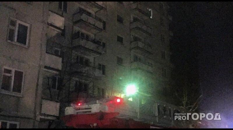 Сильный пожар в Йошкар-Оле: огнеборцы выбивали стекла, чтобы потушить огонь