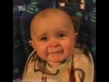 Малыш расплакался из-за песни мамы