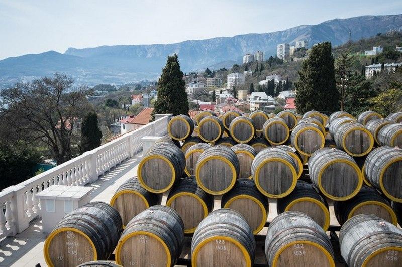 Винодельческие заводы больше не нужны Крыму