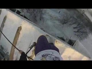 Падение с крыши девятиэтажки в сугроб