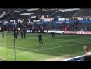 Игроки Тоттенхэма благодарят болельщиков за подержку на выезде