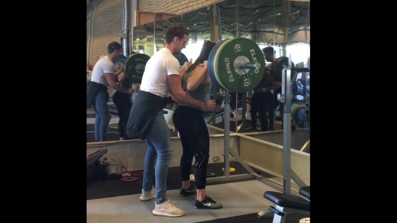 Вилма Олссон - присед 150 кг на 4