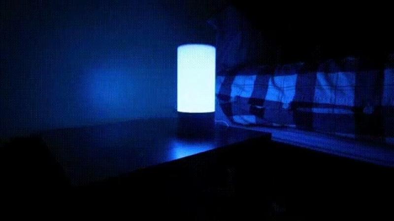 Лампа, которая умеет менять цвета