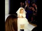 Четырехлетняя дочь Аллы Пугачевой стала звездой показа Валентина Юдашкина