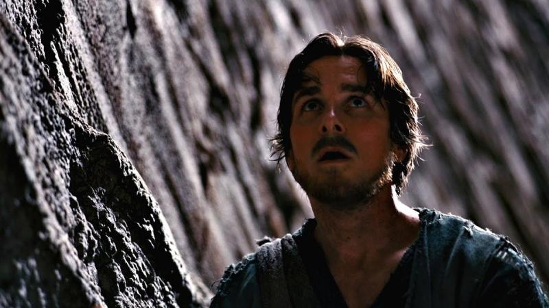 [Mr. Moment] Брюс Уэйн выбирается из тюрьмы под названием Яма. Темный рыцарь: Возрождение легенды. 2012.