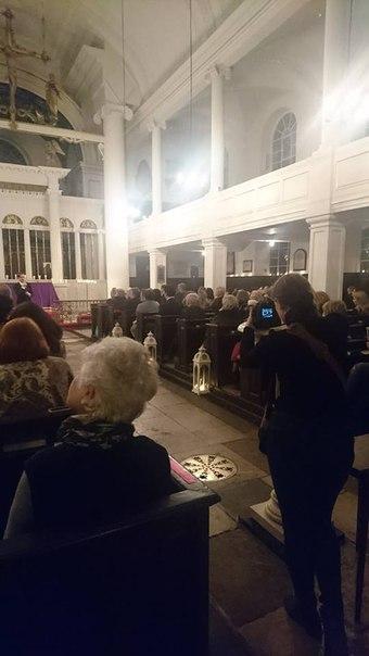 13 марта 2018 г., Песни любви, Grosvenor Chapel, Лондон, Англия Bva8DM9onts