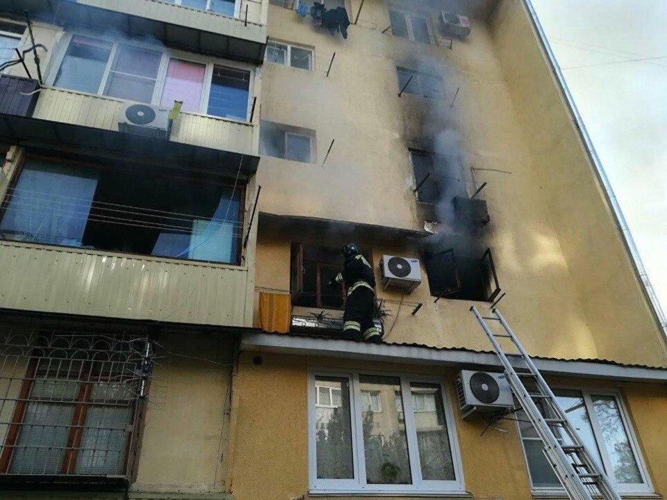 В Сочи при пожаре в общежитии погиб человек