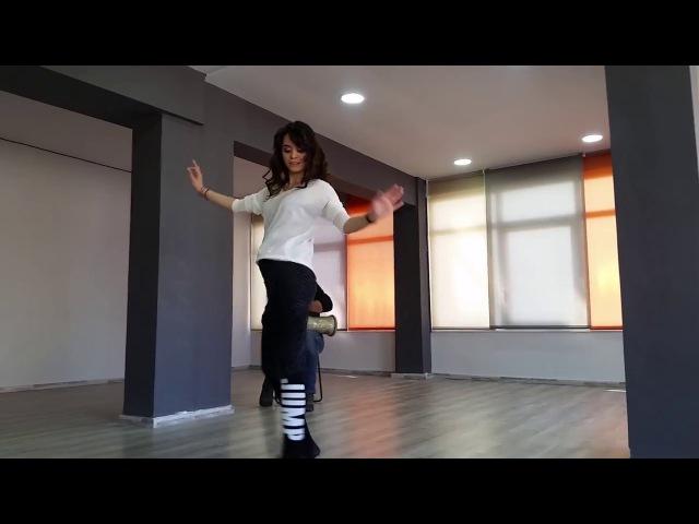 Chiftetelli Workout Tutorial improvisation with live Tabla - Belly dance - Lia Verra