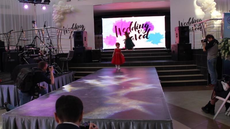 Показ капсульной коллекции платьев от бренда Совушкины детки, совместно с модельной академией Альянс на Vll свадебной выставке W