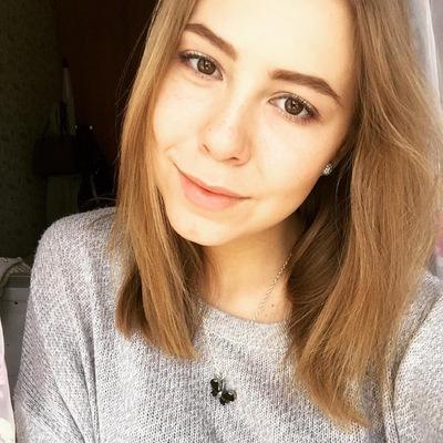Оля Ярилова