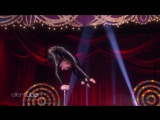 Contortionist Sofie Dossis Out-of-the-Box Performance RUS SUB