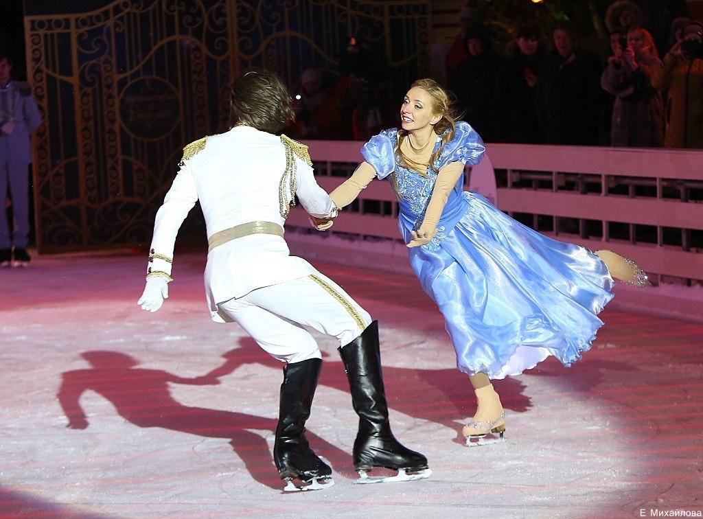 Ледовые шоу 2017 - - Страница 3 C7z0dvcZrqY