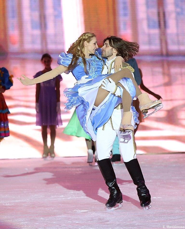 Ледовые шоу 2017 - - Страница 3 RJZN-oWMCbM