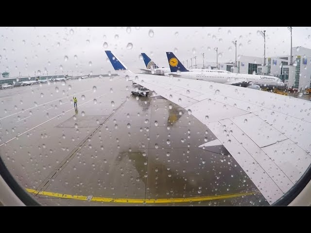 UA Boeing 767-300/300 ER rainy take off from Munich Airport