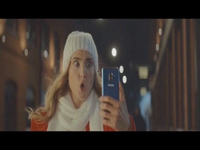Юлия делает селфи убегая от гопника. Реклама МТС Samsung A8. ТВ версия