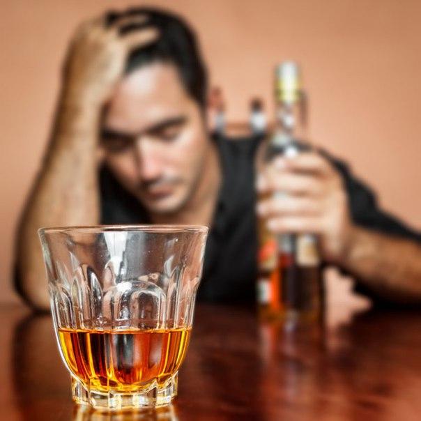 Пьет и не закусывает алкоголизма