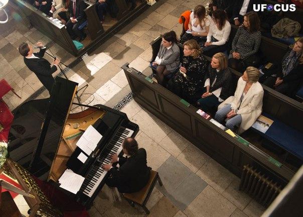 13 марта 2018 г., Песни любви, Grosvenor Chapel, Лондон, Англия AQTRBqaM7wQ