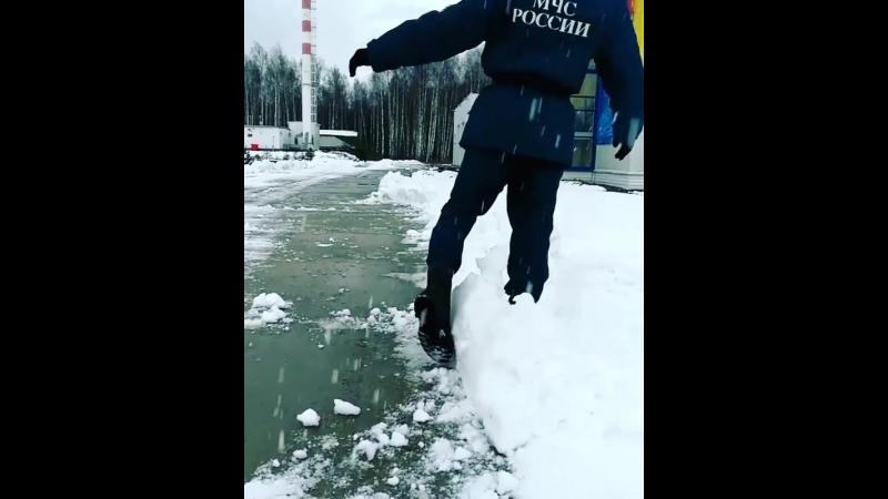 когда рад снегу 😀😀 армия мчс курсанты солдаты