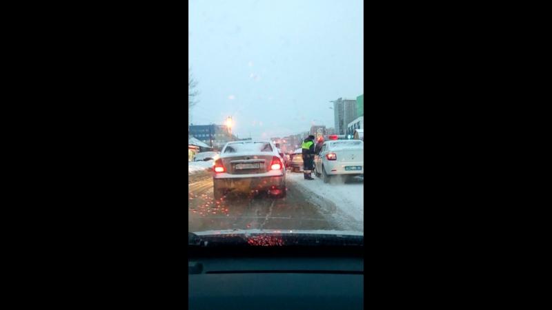 ДТП на Менделеева Уфа причина пробки .