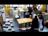 Девочка наказала хулиганов лазерным додстером