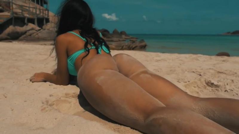 Пляже камерой секс видео согласен