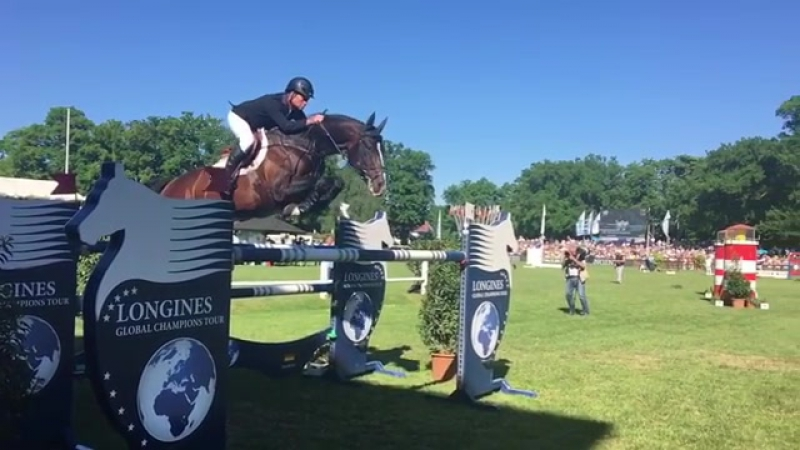 What. A. Horse. They've only gone and done it! Rolf and Casall WIN the LGCTHamburg
