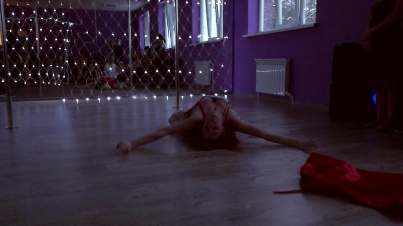 Lana FireFox Pole Dance